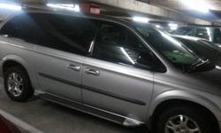 $2,000 2003 Dodge Grand Caravan mini Van
