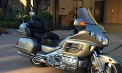 2.00;3 Honda Gold Wing