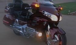 2`00`4 Honda Goldwing GL 1800 CC~!RUNS GREAT~
