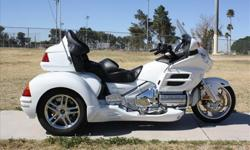 2 0 0 5 30th Anniversary Honda GL1800 Gold Wing Trike