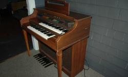 $30 OBO Cool old Electric Organ