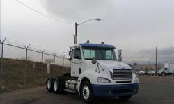 $31,900 Used 2006 Freightliner columbia day cab for sale.