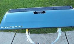 $325 2007-11 chevy truck tailgate