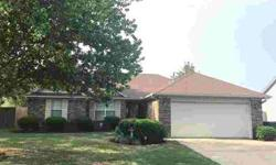 353 S Casa View Dr Marion Three BR, This move-in home offers
