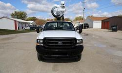 $36,500 Altec AT37G- 2004 Ford F550 4x4 Bucket Truck