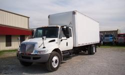 $39,500 2009 international ext cab 24 ft box trucks {2}