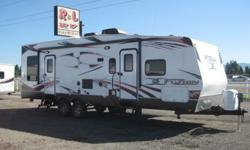 $39,995 OBO 2012 FUZION FZ-300 TOY HAULER With Slide Out