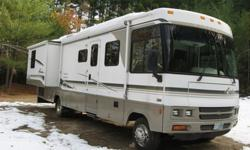 $39,999 2002 Winnebago Adventurer