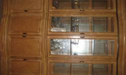 $400 China Cabinet for Sale!!!!! Very Good Condition!!!!!