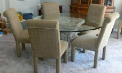 $415 Round Dining Table and Chairs