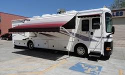 $42,999 01 Expedition 34ft Diesel Pusher with 2 Slides