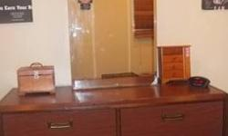 $45 Beautiful 6 drawer dresser with mirror!!!