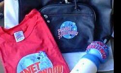 $45 PLANET HOLLYWOOD Beverly Hills Carryall, T-Shirt, Sipper