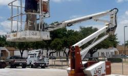 $4,000 33' UNO 33E Articulating Boom Lift