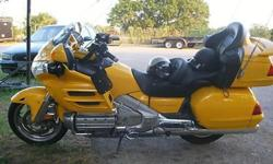 $4,100 2002 Honda 1800GL Goldwing W/many extras