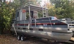 $4,900 Sun Tracker Pontoon 28 Foot