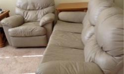 $500 Matching leather couch and recliner chairs