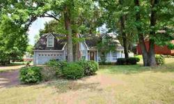 5290 Pear Drive Southaven Four BR, Charming house in a well