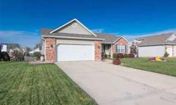 5 Ashbrooke Troy, This home is move in ready!
