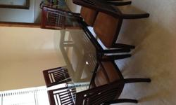 $600 Dining Table & Chairs