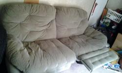 $60 Recliner Couch