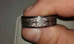 $650 Engagement ring and mens wedding ring