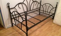 $75 Black Day Bed - Great shape! MUST GO! $75 or best offer