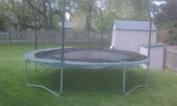 $75 Trampoline Jumpking 16ft