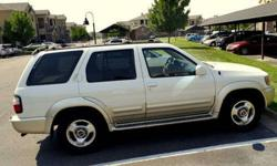 $7,000 2000 Infiniti QX4, Loaded - White/Gold - 150k miles