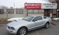 $7,995 Used 2005 Ford Mustang for sale.