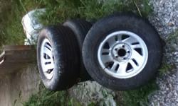 $80 4 tires and rims fits 1999 Ford Ranger XLT
