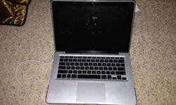 $875 2009 Aluminum MacBook (OKC)