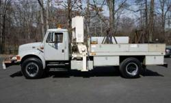 8789 - 1995 International 4700; National N95 Knuckleboom; 7