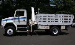 8902 - 2003 Freightliner Fl70; National Knuckleboom Model