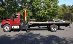 8918 - 2004 International 4300; 1993 Palfinger Pk10500a