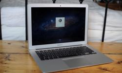 $899 MacBook Air 13 inch Intel Core i5 / 1.7 GHz / 4 GB Ram