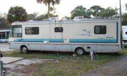 $8,999 1994 National RV Dolphin Class A