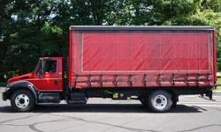 9006 - 2005 International 4300; 21' Curtainside Box Van
