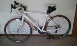 $900 OBO 2011 Raleigh Revenio 4.0 Road Bicycle