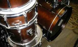 $900 Yamaha Custom Kit w/Stands and Cymbals