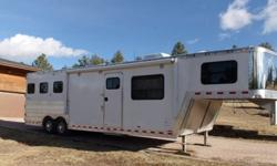 a83j2ol4 good condition 2004 Kiefer 3 horsetrailer