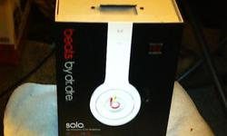 Beats by Dr. Dre Solo Headphones (White) Please Read