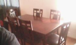 Dining Table w/6 Matching Chairs In Exc. Cond
