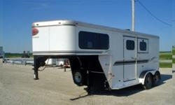 ef .2003 Sundowner 2 horse trailer slantload