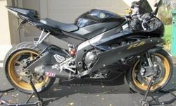 For SALE-2006 Yamaha YZF-R6 black