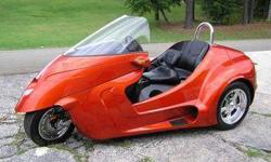 Harley Davidson and Honda Goldwing 3 wheelers trike and