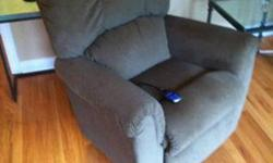 La-Z-Boy Power Recliner (Like New)