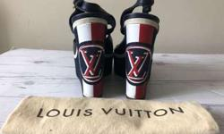 Louis Vuitton Women Wedges Sandals size 7,5US Leather and