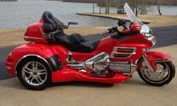 *~sq ;*~2004 Honda Gold Wing Red~;F.8*