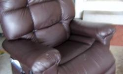 Ultra Comfort Auto Drive Recliner Lift Chair like new
